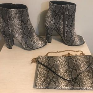 Snakeskin booties with purse✨